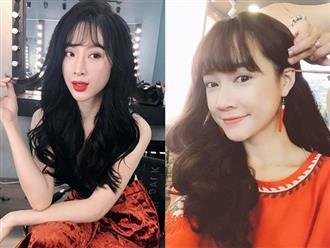 Nếu đã chán tóc thẳng lại không muốn cắt ngắn, hãy học ngay HH Mỹ Linh, Angela Phương Trinh để tóc xoăn đi kiểu gì cầu thủ U23 cũng dính thính