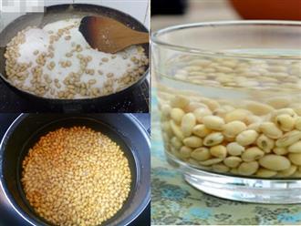 Rang đậu nành nấu với nước lọc để uống, tốt hơn dùng viên collagen trẻ hóa mỗi ngày