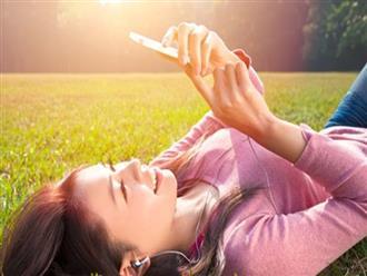 Tác hại của điện thoại, laptop với làn da