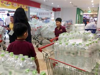 Người dân Hà Nội dùng nước khoáng để nấu ăn thay nước nhiễm khuẩn, chuyên gia cảnh báo: Không nên!