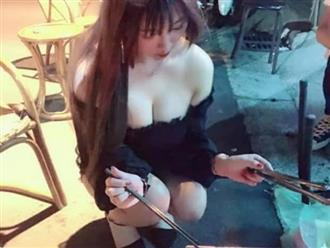 Chỉ ngồi nướng thịt , cô gái khiến dân tình náo loạn vì vòng một 'ngồn ngộn', chỉ trực trào ra khỏi áo