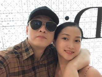 Lam Trường khoe được vợ trẻ mua tặng hàng hiệu an ủi vì bị mất đồ khi lưu diễn