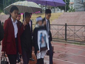 Gia đình nữ sinh giao gà bất ngờ làm đơn xin không tử hình cả 6 bị cáo sát hại con gái mình