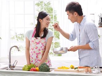 Chồng siêu hài hước vào bếp trổ tài tay nghề nấu nướng để chiêu đãi vợ nhân ngày 20/10 và cái kết không thể nào bất ngờ hơn…