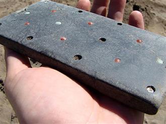 Khai quật lăng mộ cổ niên đại hơn 2000 năm gần biên giới Mông Cổ, nhà khoa học bất ngờ khi tìm thấy 'điện thoại iPhone'