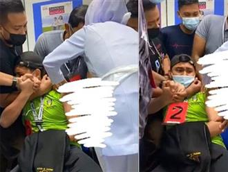 Nam y tá thoăn thoắt tiêm vaccine cho người khác, tới lượt mình lại khóc lóc, la hét ầm ĩ