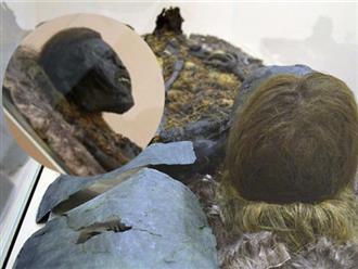Sửng sốt với xác ướp 800 tuổi có mái tóc vàng, khuôn miệng đang cười bí ẩn