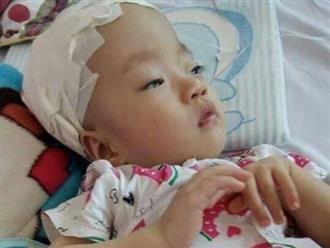 Xé lòng tiếng khóc ngằn ngặt của bé gái sinh non, mắc bệnh não úng thủy