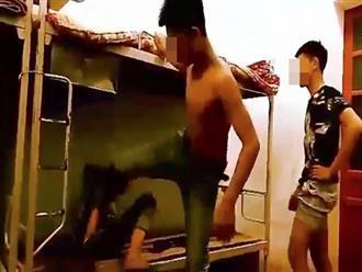 Clip nam sinh lớp 9 bị nhóm bạn cùng phòng đánh đập dã man vì từ chối giặt giùm quần áo