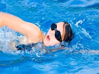 Chọn bể bơi mùa hè cho trẻ, cẩn trọng các bệnh về mắt