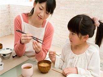 Để con lớn lên là một người lịch sự và hiểu chuyện, cha mẹ đừng bỏ qua những bài học nhỏ dưới đây