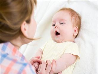 """Những biểu hiện của trẻ sơ sinh chứng tỏ bé yêu mẹ """"nhất nhà"""""""