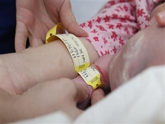 Tại bệnh viện mỗi năm có 40.000 trẻ chào đời, bác sĩ phải làm gì để không trao nhầm con?