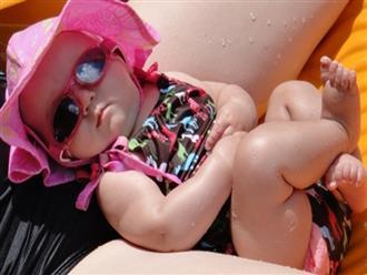 Để tắm nắng cho trẻ sơ sinh đúng cách, mẹ phải biết những điều này