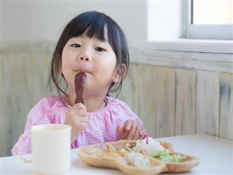 Trẻ bị táo bón nên ăn gì để hết bệnh?