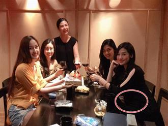 Tú Anh lộ vòng bụng to bất thường trong tiệc sinh nhật Hoa hậu Mai Phương Thúy