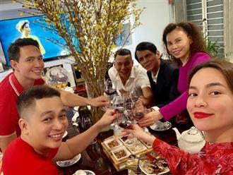 Hồ Ngọc Hà đón năm mới hạnh phúc bên Kim Lý