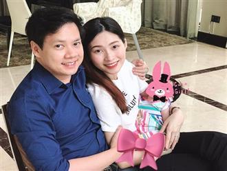 Hoa hậu Đặng Thu Thảo lần đầu tiên hé lộ ảnh con gái, dung mạo khiến ai cũng bất ngờ
