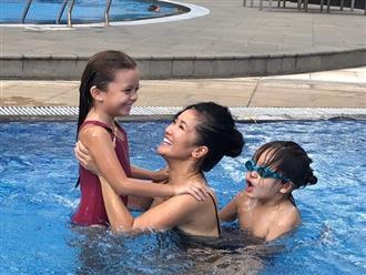 'Bống' Hồng Nhung dắt hai con đi bơi, tập làm quen với cuộc sống không có chồng Tây bên cạnh