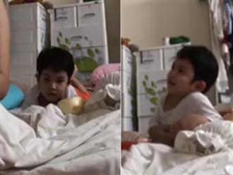 Clip con trai Khánh Thi ngoan ngoãn chờ mẹ vắt sữa cho em khiến CĐM 'phát cuồng'