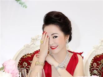 Bà Phương Hằng bất ngờ tung chuỗi 'mật mã' đứt quãng bí ẩn sau khi kết thúc livestream 3 tháng