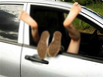 Đang 'vui vẻ' trong xe thì co giật, thiếu nữ 15 tuổi đột tử khiến bạn trai hơn 11 tuổi bàng hoàng