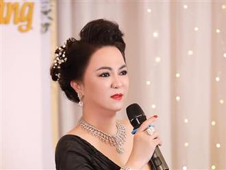 Rằm tháng Năm, bà Phương Hằng bất ngờ livestream chủ đề: 'Cách nhận biết người sống không có lương tâm'