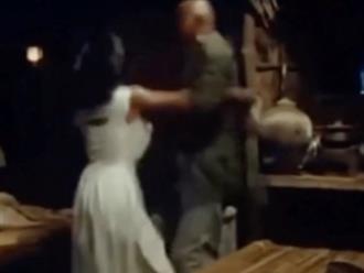 Sao nữ bị cưỡng dâm thô bạo trên phim trường, cầu cứu nhưng đạo diễn vẫn lãnh đạm 'vô can'