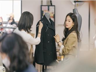 Blazer của Song Hye Kyo vừa sang lại tôn dáng, từ 200k bạn đã sắm được kiểu na ná