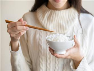"""3 điều bất thường sau bữa ăn cho thấy đường huyết của bạn đang cao quá mức, hãy ghi nhớ """"3 TRÁNH - 2 LÀM"""" để cứu mình"""