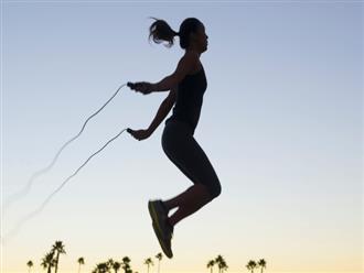 Nhảy dây 1.000 cái/ngày, lợi ích chưa thấy đâu, người phụ nữ 30 tuổi đã gãy xương vì kiệt sức: Những sai lầm khi tập thể dục biến MỒ HÔI trở thành NƯỚC MẮT
