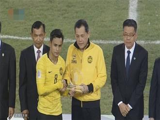 Chuyện khó tin nhưng có thật, Malaysia lên bục nhận giải fair-play