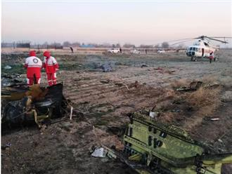 Hiện trường máy bay Ukraine chở 180 người gặp nạn tại sân bay Iran