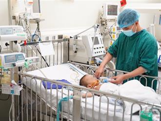 Người thân tự ý chữa bệnh tại nhà, một bé trai 20 tháng tuổi ở Thanh Hóa bị hoại tử nặng nhiều bộ phận ở phần thân dưới