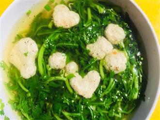 Đây là loại rau nấu canh ngon nhưng hạn chế hoặc không nên nêm muối nếu không muốn hấp thụ nhiều natri, hại tim mạch