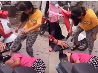 Bị nhà chồng chửi mắng, con gái điên tiết 'trút giận' lên mẹ ruột, cảnh tượng mẹ già bị con giẫm đạp khiến người chứng kiến chua xót
