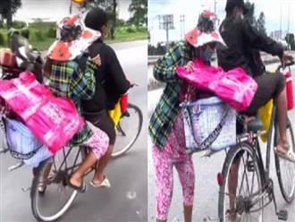 Con bị giãn não, chồng quyết đạp xe chở vợ bầu vượt hơn 200km về quê: 'Còn hơn 100 ngàn nên phải đi thôi!'