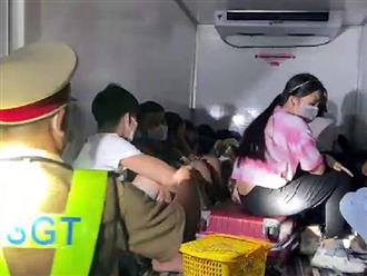 Phát hiện 15 người bị nhét trong xe đông lạnh ở Bình Thuận để 'thông chốt', có cả trẻ em: Người vã mồ hôi, kẻ khó thở