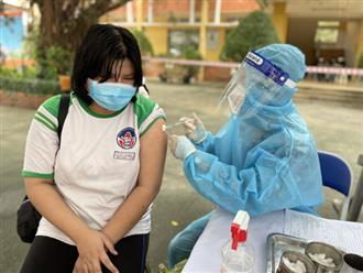 TP.HCM: Học sinh có thể đi học trở lại sau 5 tuần tiêm vắc xin Covid-19