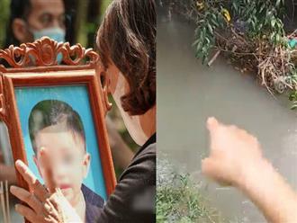 Thêm tình tiết vụ bé 2 tuổi tử vong bất thường: Ngườì dân phát hiện cánh tay bé nhô lên, trên người dính nhiều rác, cây cỏ