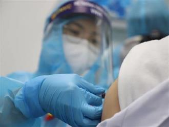 Trần tình của cô giáo tiêm cùng lúc 2 mũi vaccine Covid-19, phủ nhận thông tin 'đòi tiêm 4 bàn 4 mũi': 'Do tâm lý hồi hộp nên sai sót'