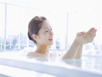 """8 bộ phận này dễ bị bỏ qua khi tắm khiến vi khuẩn có thể """"bò"""" khắp cơ thể"""