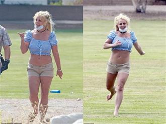 Britney Spears xuất hiện với thân hình to thô kệch sau 2 năm lặn mất tăm khỏi Hollywood