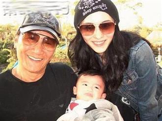 Chia tay Vương Phi, Tạ Đình Phong đón 4 mẹ con Trương Bá Chi về nhà ăn Tết, bố ruột tiết lộ mối quan hệ hiện tại của cả 2?