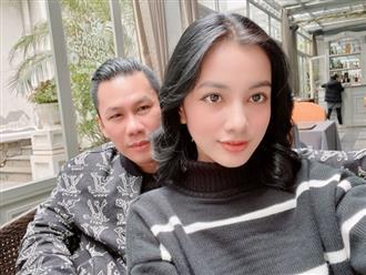 Chồng cũ Lệ Quyên công khai hẹn hò với người đẹp kém 27 tuổi, biết danh tính còn choáng hơn