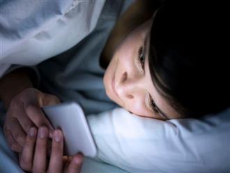 """Chuyên gia Y tế cao cấp Anh """"vạch mặt"""" sát thủ gây ung thư bạn vẫn tiếp xúc trước khi ngủ"""