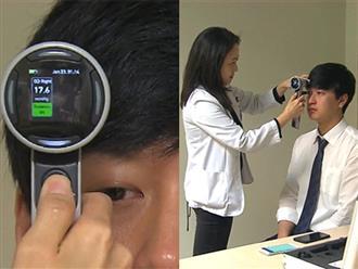 Đài KBS Hàn Quốc chứng minh: Sử dụng điện thoại theo cách này gây hại mắt gấp đôi