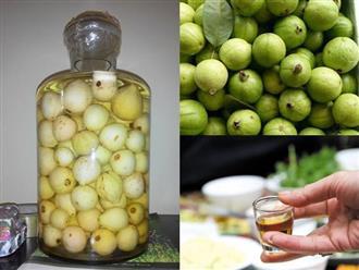 Đem ổi đi ngâm rượu, mỗi ngày uống 1 ly còn bổ hơn ăn tổ yến, nhân sâm
