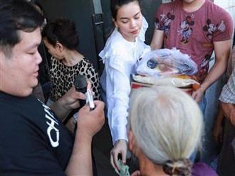 Đi phát quà từ thiện cho người già neo đơn nhưng Hà Hồ vẫn khiến netizen 'chướng mắt' vì điều này