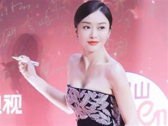 """Đi thảm đỏ """"gắt"""" như """"Hoàng hậu"""" Tần Lam: Khoe vòng một căng đầy, quyến rũ đến nghẹt thở giữa thời tiết giá rét"""